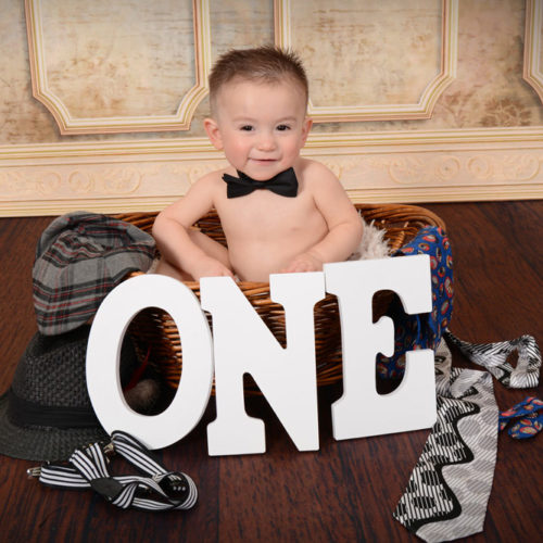 Andrae Michaels National Portrait Studio provides child birthday photography services