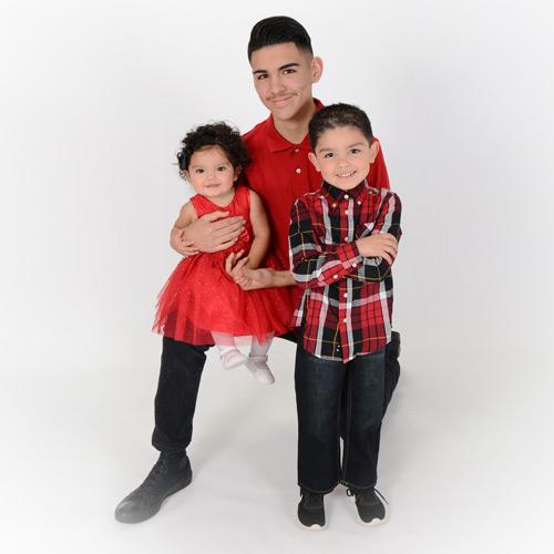 Andrae Michaels National Portrait Studio provides family children photography