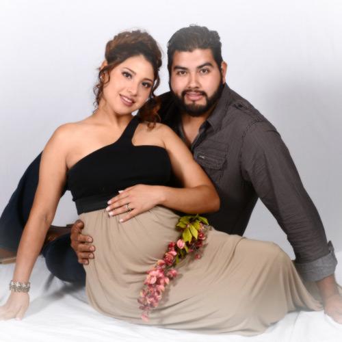 Andrae Michaels National Portrait Studio provides in-studio pregnancy announcement photography